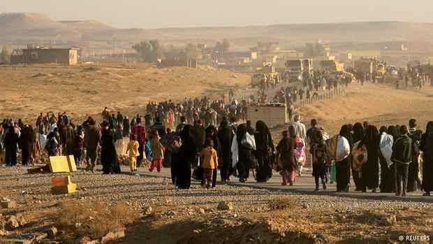 Боевики ИГ взяли в заложники тысячи мирных жителей