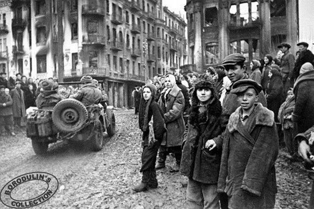 В освобожденной Виннице. 1943
