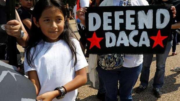 Президент США Дональд Трамп отменил программу, которая давала возможность отсрочить депортацию для более чем 750 тысяч детей нелегальных иммигрантов, приехавших в страну.