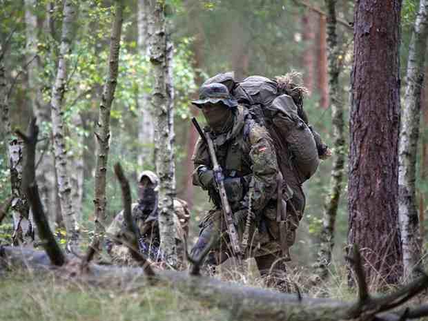 В армии Германии выявили десятки исламистов