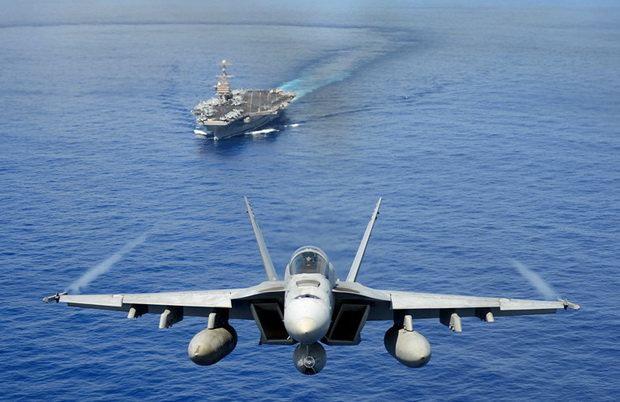 За прохождением американской авианосной группы в Персидский залив следили корабли Корпуса стражей Исламской революции, их также сопровождали иранские беспилотники.