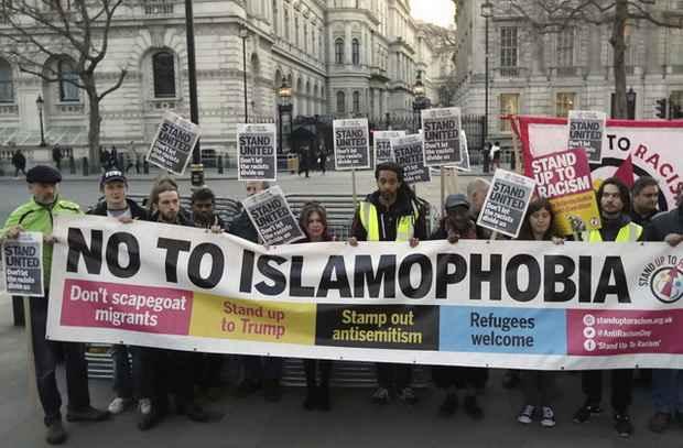 Треть британцев считает, что ислам угрожает национальной культуре и образу жизни