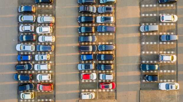 В США введен налог на льготные церковные парковки для священнослужителей