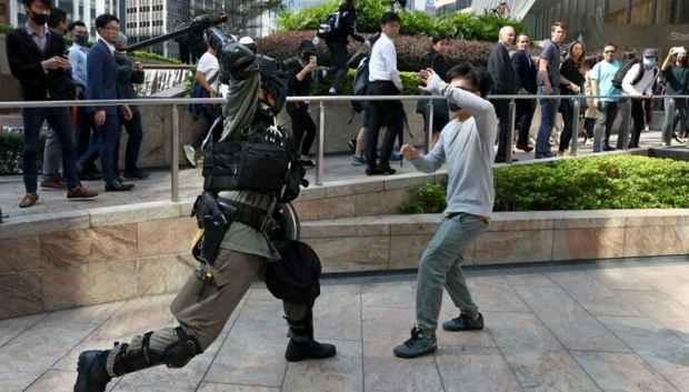 В Гонконге 14 ноября закроют из-за беспорядков все учебные заведения