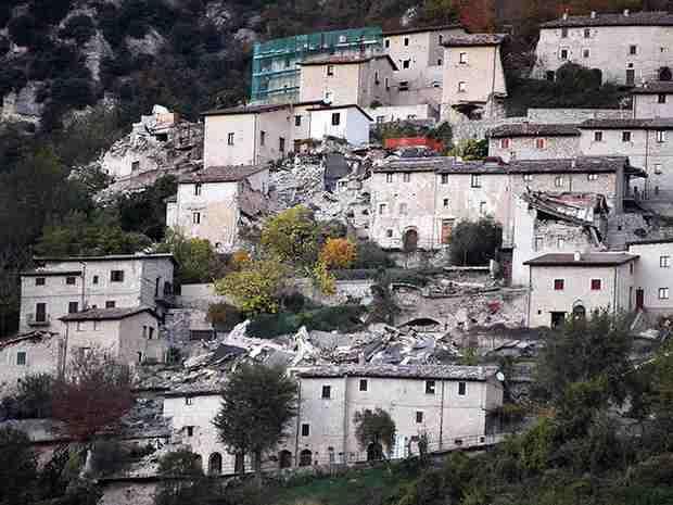 В Италии в результате землетрясений без крова остались 15 тысяч человек