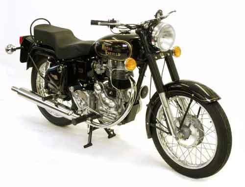 Мотоциклу у дороги в округе Пали начали молиться в начале 1990-х.