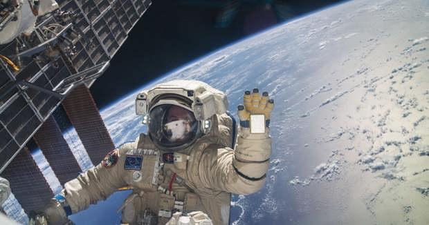 «Роскосмос» отправит на МКС двух туристов