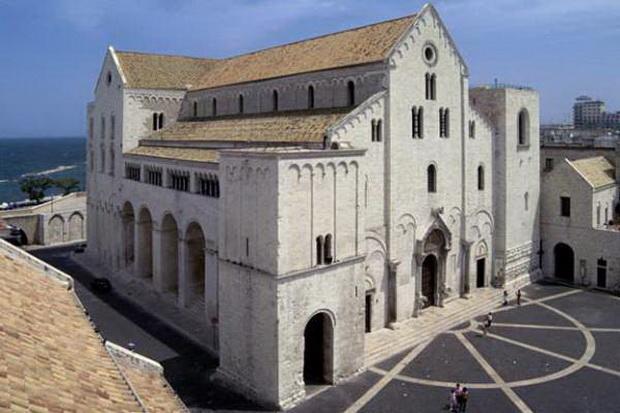 Однако сейчас храм святителя Николая в Бари полностью достроен.