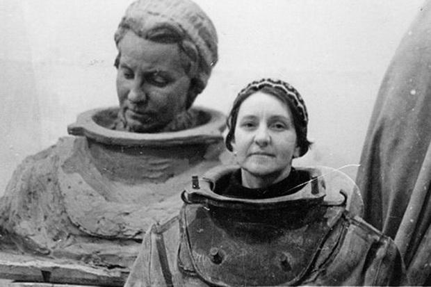 Под водой кабель прокладывали в том числе советские женщины-водолазы