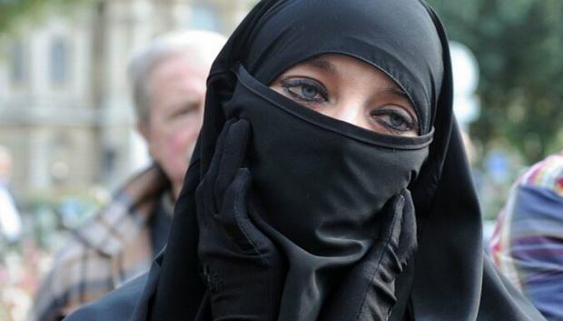 В Нидерландах введен запрет на ношение паранджи и никаба