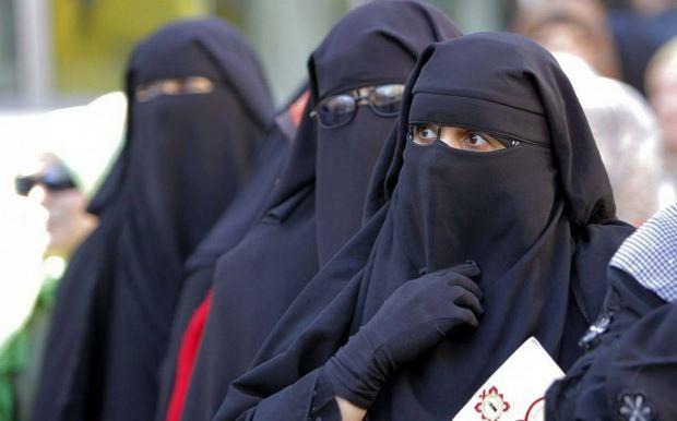 Джихадистов из Мосула изгнали, но исламские одеяния по-прежнему обязательны