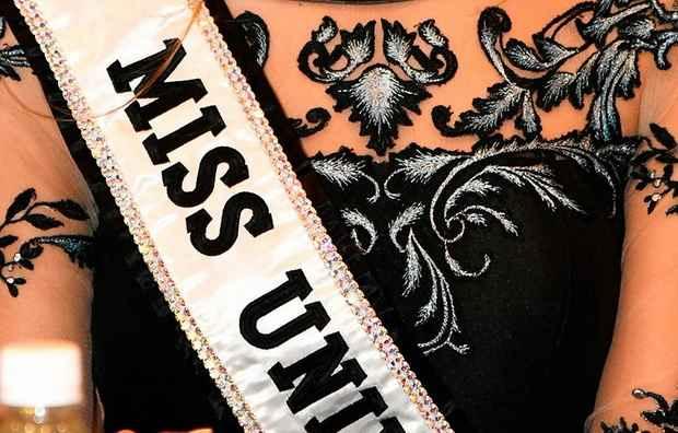 """26-летняя модель Ангела Понсе в минувшие выходные выиграла конкурс красоты """"Мисс Испания"""" и теперь будет представлять королевство на международном соревновании """"Мисс Вселенная""""."""
