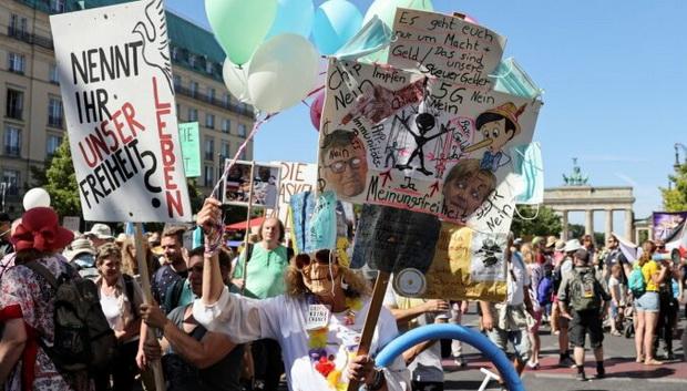 """Мероприятие проходило под лозунгом: """"День свободы - конец пандемии""""."""