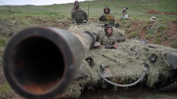 В Нагорном Карабахе введено военное положение
