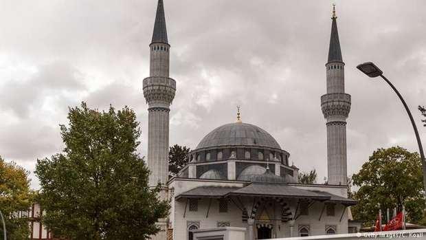 Мусульмане Германии требуют усилить безопасность мечетей