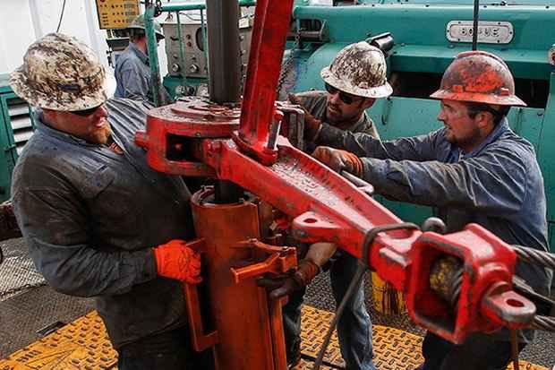 Америка расшатала нефтяной рынок. Чем ответит Россия?