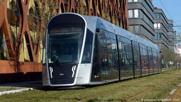 Благодаря бесплатной работе общественного транспорта власти Люксембурга хотят разгрузить дороги от автомобилей. Расходы в размере 41 млн евро будут покрыты за счет налоговых сборов.