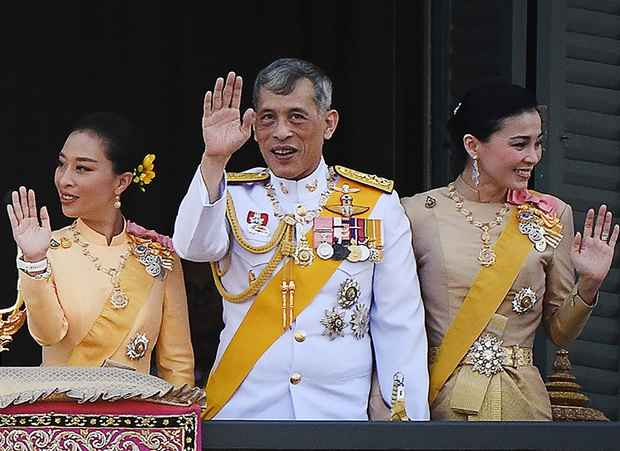 Как «самоизолировался» король Таиланда