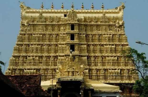 Индия закрыла самый богатый храм в мире из-за коронавируса
