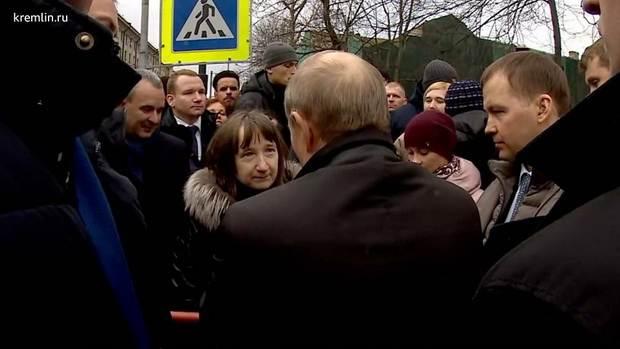 Путин пожелал получателям маленьких зарплат и пенсий не отчаиваться и не болеть