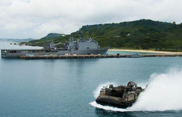 При этом в Вашингтоне заявили о том, что позиция США по выполнению своих военных обязательств в отношении Японии остается незыблемой.