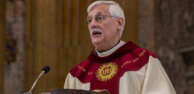 Глава Ордена Иезуитов усомнился в реальности диавола и намекнул на возможность женского священства