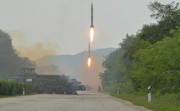 Северная Корея запустила неопознанную ракету