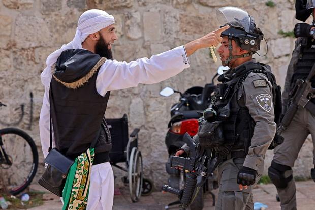 Примерно пятая часть граждан Израиля — арабы по происхождению. Всплеск насилия не мог не повлиять на их настроения.