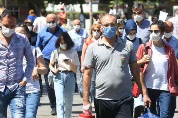 В Турции ввели повсеместный масочный режим