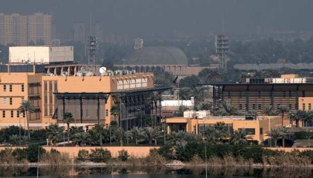 По посольству США в Ираке нанесли ракетный удар