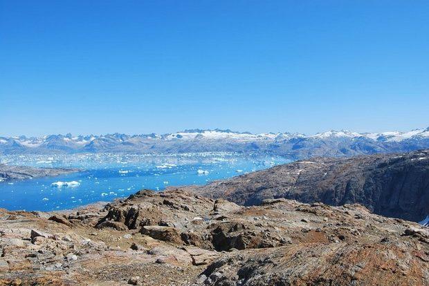 С учетом экономической ситуации в самой Гренландии