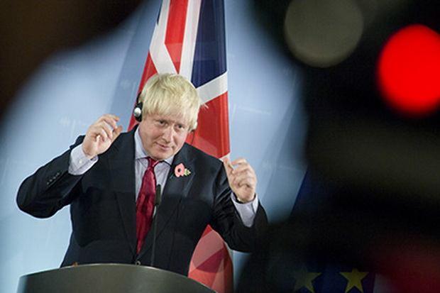 Власти Британии решили убедить Трампа противостоять Асаду и Путину