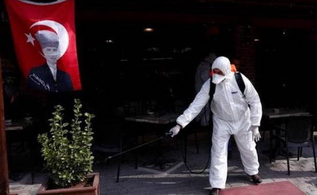 """""""Мы обеспокоены ростом числа случаев (заражения коронавирусом - ИФ), который раньше ограничивался некоторыми провинциями, но в последние дни это касается всей страны"""", - сказал министр ранее на этой неделе."""