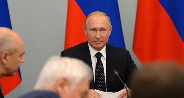 Рост зарплат и пенсий должен выражаться в реальных деньгах, а не в процентах и усредненных данных, чиновники обязаны улучшать жизнь россиян «не на бумажке».