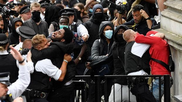 протесты в лондоне-3