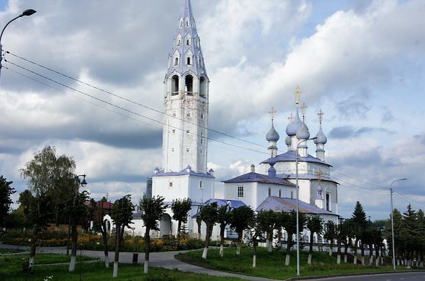Крестовоздвиженская церковь с шатровой колокольней, XVIII век