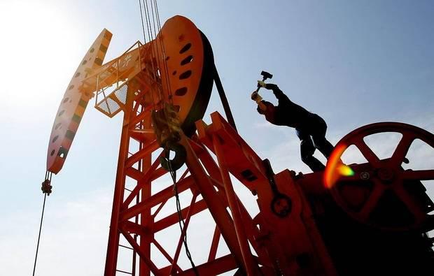 Цена нефти Brent упала ниже $34 впервые с февраля 2016 года