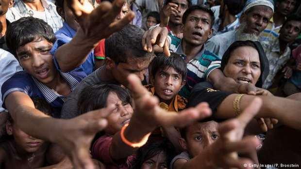 Беженцы из Мьянмы должны оставаться в тех лагерях, куда их поместили власти Бангладеш, до тех пор, пока они не вернутся в свою страну.