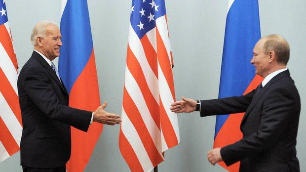 Байден сообщил, что рассчитывает на проведение встречи с Путиным этим летом
