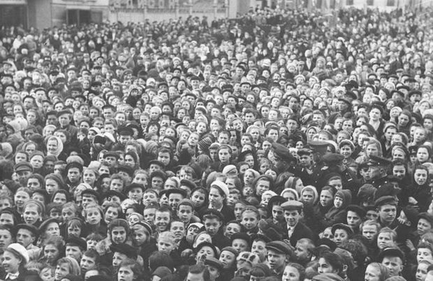 Праздник Победы в Москве на площади Маяковского
