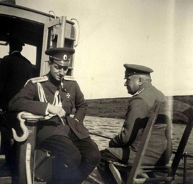Против Государя выступил и Великий князь Дмитрий Павлович, прославившийся тем, что стал организатором убийства Распутина.