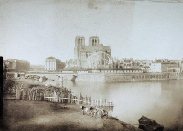 До начала ХХ века собор был самым высоким зданием в Париже
