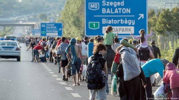 Рекордное количество нелегальных пересечений внешних европейских границ было зафиксировано в 2015 году - тогда в ЕС въехали около 1,2 миллиона мигрантов.