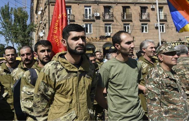 В Армении введено военное положение