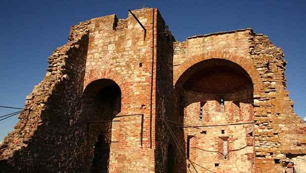 ~Стенгазету~ XII века нашли на штукатурке храма новгородских князей