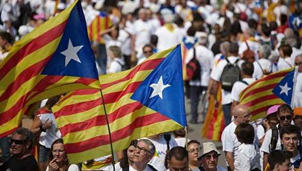 Парламент Каталонии принял закон о переходном периоде, который, по мнению сторонников независимости, создаст юридическую базу для выхода автономного сообщества из состава Испании.