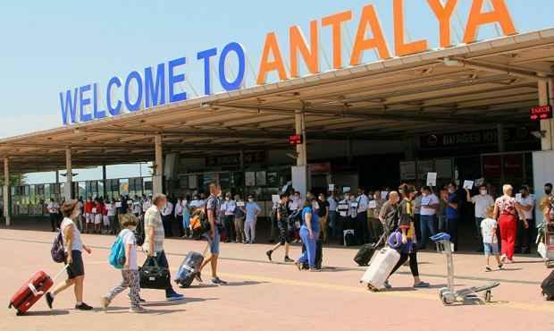 Турецкий инфекционист призвал ужесточить требования к туристам из РФ