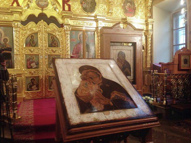 Как бы там ни было, подчеркивают все представители Церкви, версия о том, что Донская икона написана уже после Куликовской битвы, на почитании образа никак не скажется.