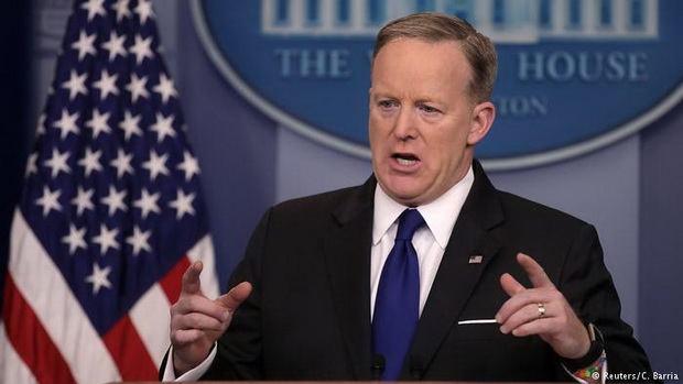 Белый дом трижды пояснял заявление о Гитлере, Асаде и химоружии