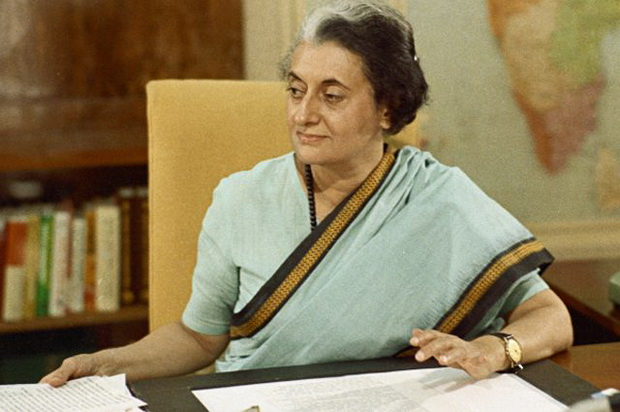 Тридцать первого октября 1984 года телохранители-сикхи убили тогдашнего премьер-министра Индиру Ганди.